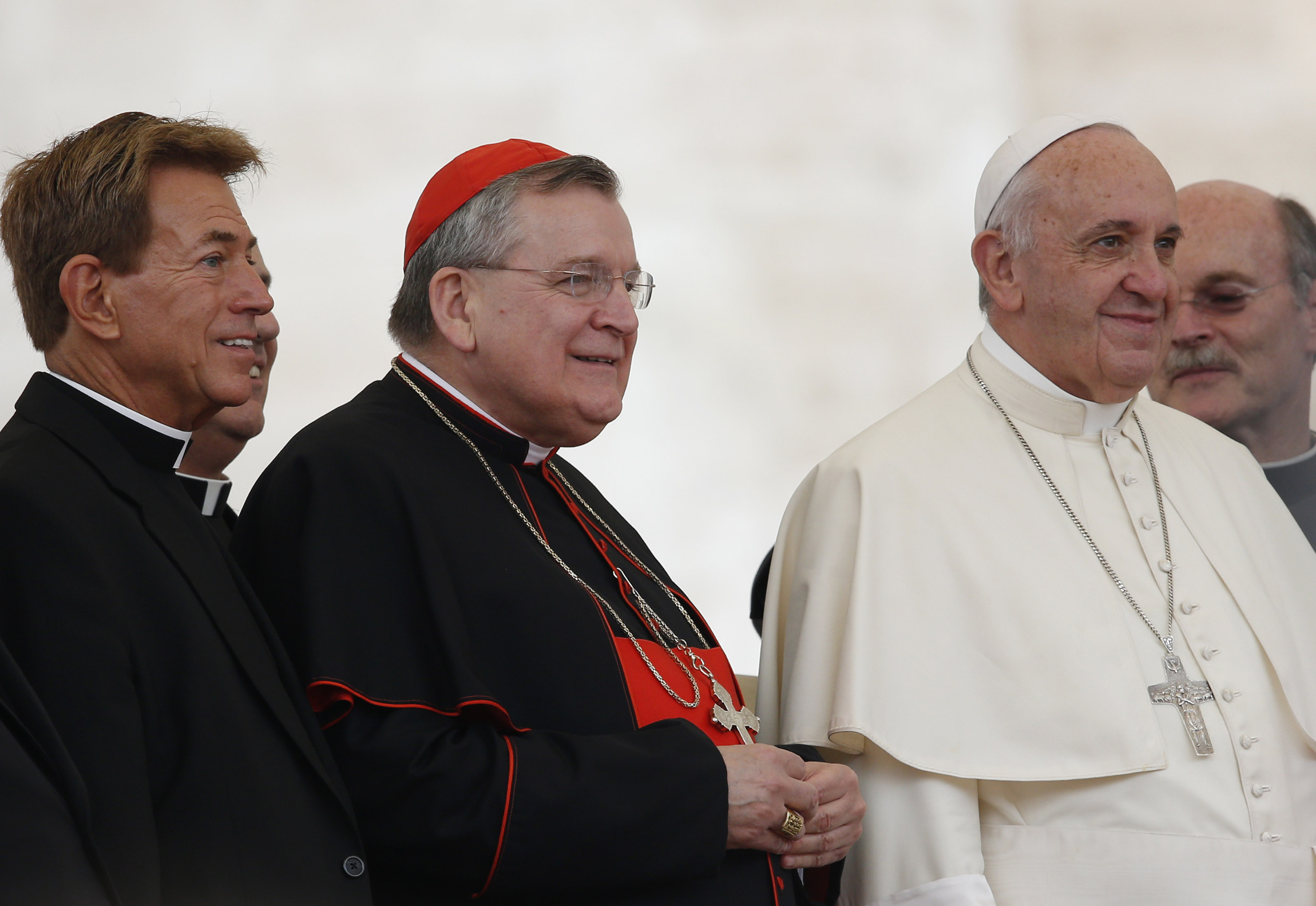 """The Shameful Confession of Cardinal Burke: Those who doubt Bergoglio is the Pope hold an """"extreme"""" position"""
