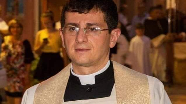 Don Enrico Bernasconi declares for Pope  Benedict XVI