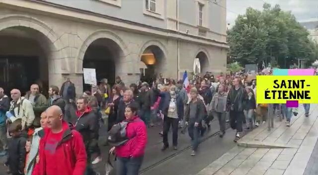 France: Citizens flood the streets in 4th week of Anti-Vaxx Passport Protests